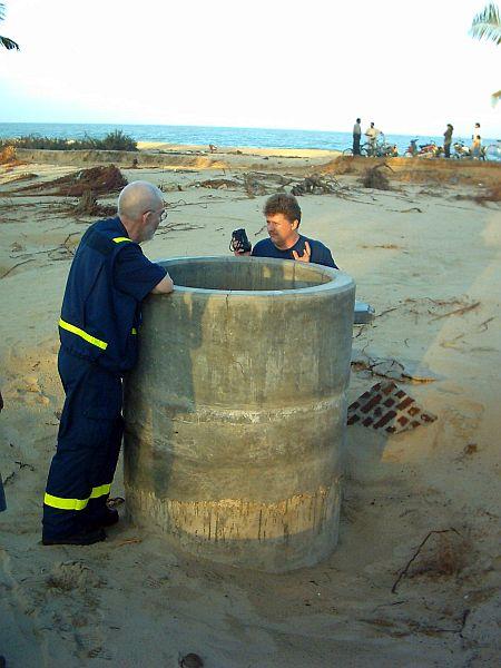 Besprechung des Erkundungsteam in Sachen Brunnen