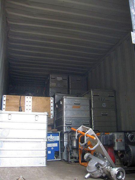 Fast vollständig beladener Container