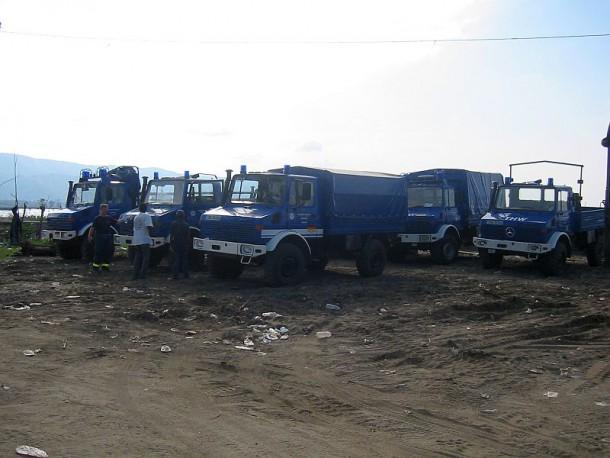 Alles Material und die Einsatzfahrzeuge sind sicher im Hafen angekommen
