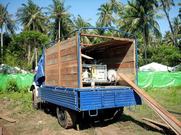 """Verlastung einer TWAA Kärcher RO 500 in der Transportbox """"Indonesia Style"""""""