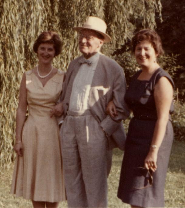 Mein Vater mit seinen beiden Töchtern