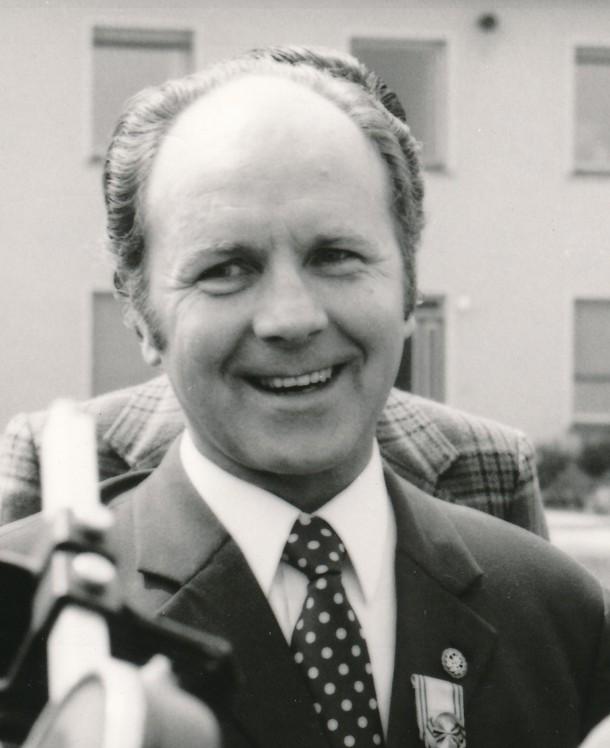 LB Schneider