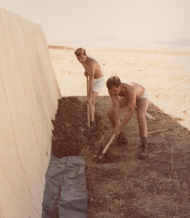 Zeltaufbau am Einsatzort